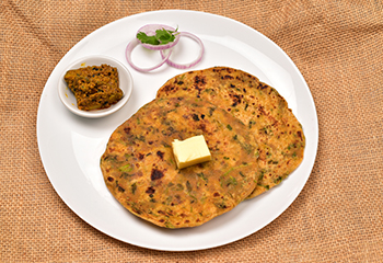 Methi onion Prantha ( Dry fenugreek & onion)